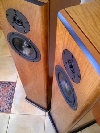LJ 702-TL The Piano 7 Loudspeaker -front